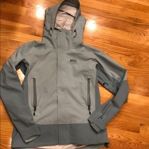 REI rain jacket, brand new. Peak 2.5